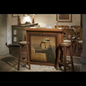 Cantina de madera pintada en sala