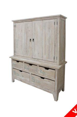 Mueble de madera patinado