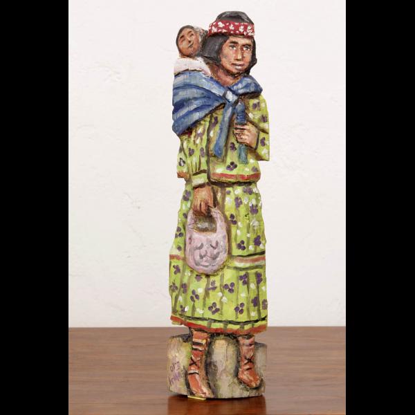 Artesanía de méxico figura tarahumara en madera