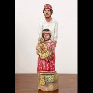 Figura tarahumara tallada en madera